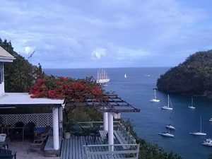 Ridge-top home over Marigot Bay MRG 011