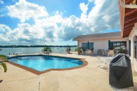 Bahamas Waterfront Home Pool