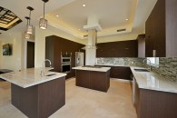 fully openn and expansive kitchen