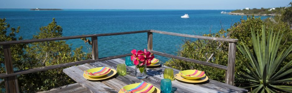Great Guana Cay outdoor view of ocean at picnic table
