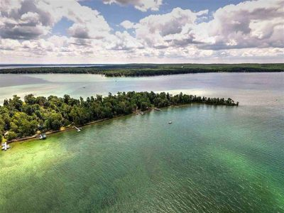 Treasure Island  - Lakefront Lot